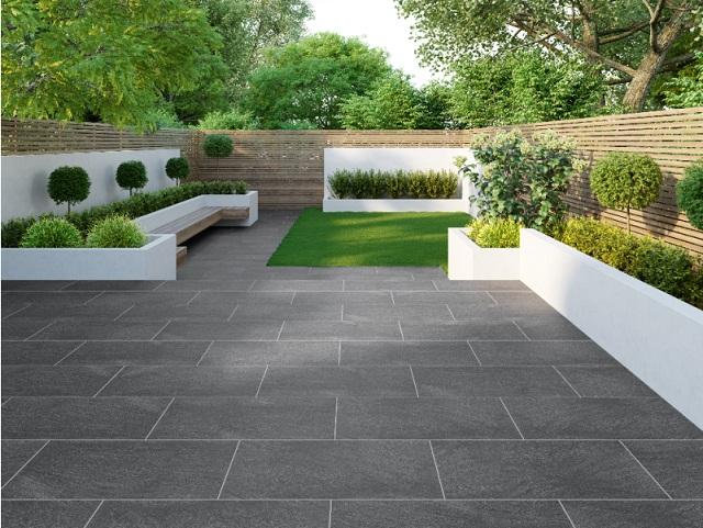 Gạch lát sân vườn giúp tăng vẻ đẹp của không gian